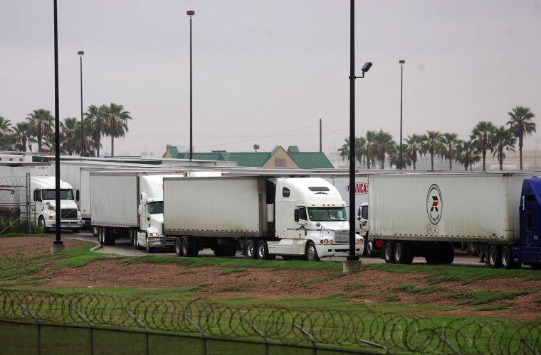 cruce de camiones.jpg