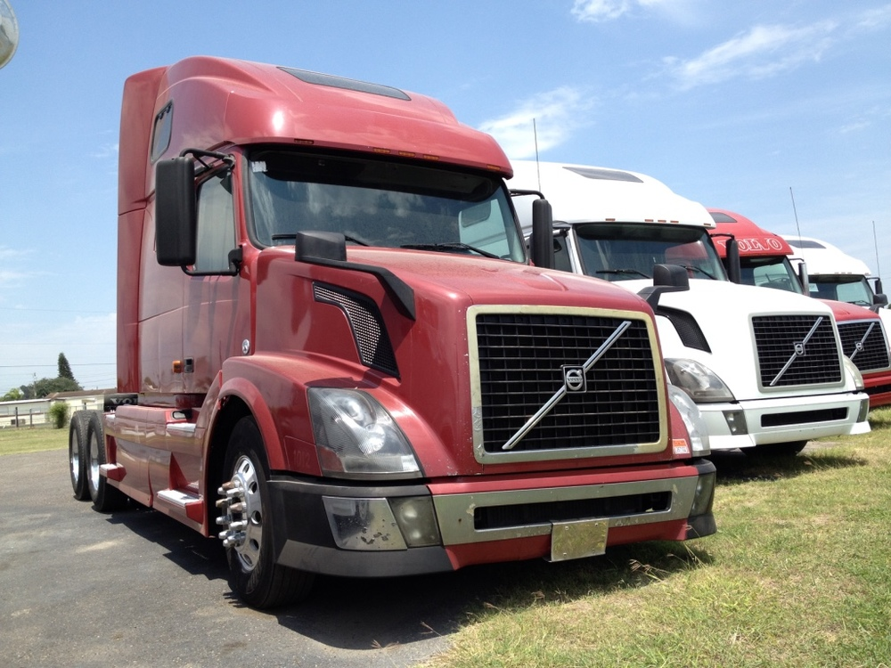 2007 Volvo VNL670    Volvo Motor 500hp, 13 Speed