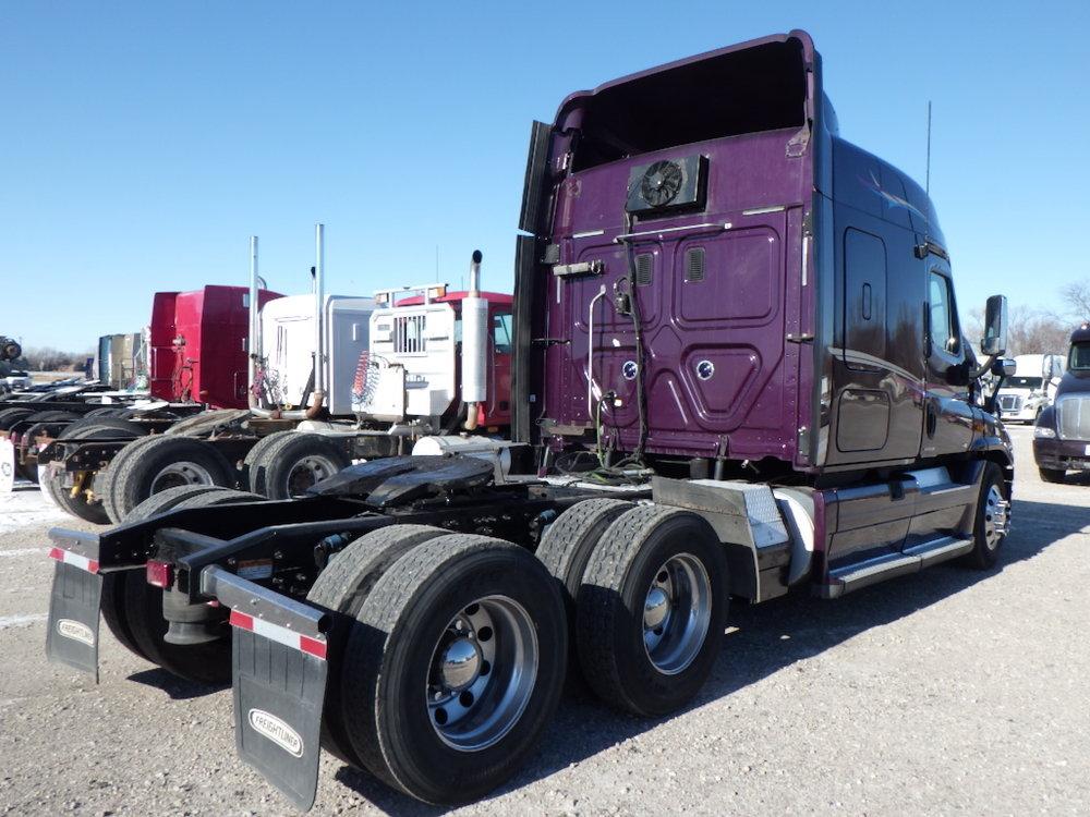 Freightliner trucks5.jpg
