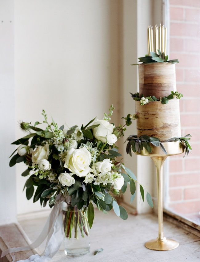 A lovely bark inspired wedding cake. Edible? Good question, but it's gorgeous regardless! Credit: Green Wedding Shoes.