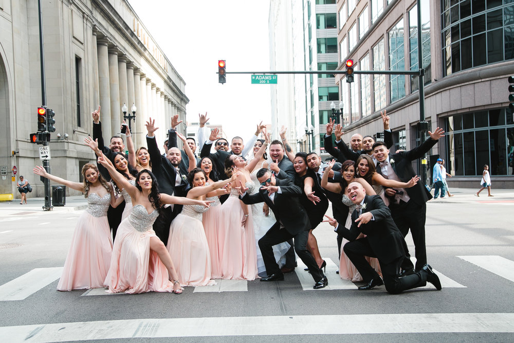 This past October we had a great at Chicago Downtown with the wedding party at Union Station