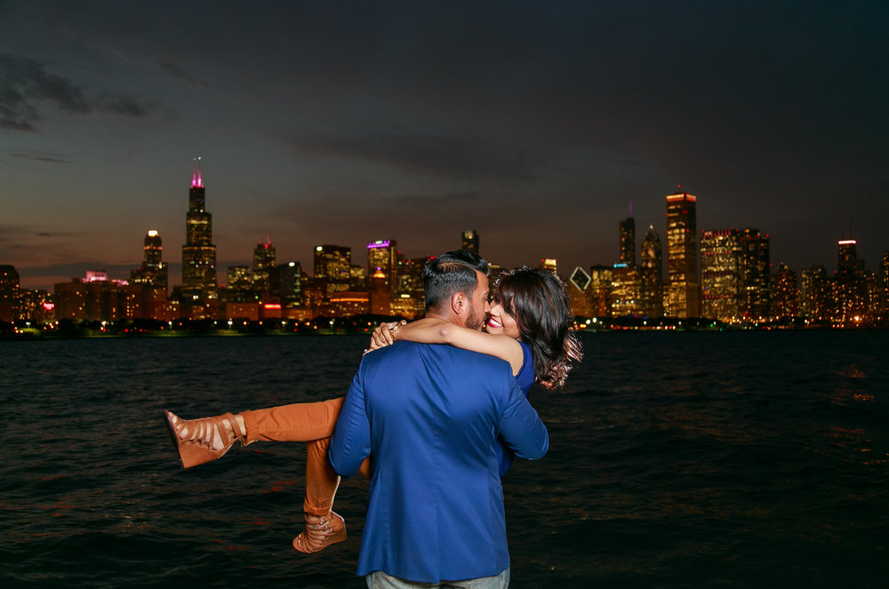 skyview-chicago-engagement-love-photography-photo.jpg