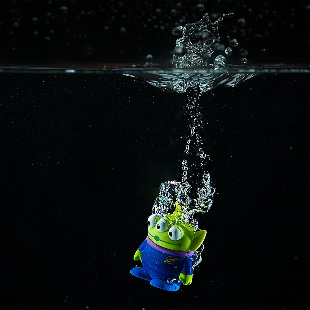 Adult swim (alien style)