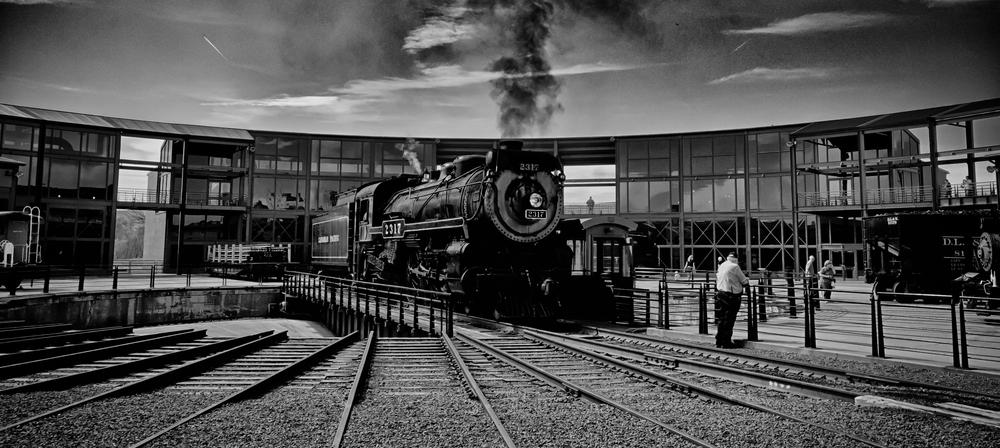 Steamtown_2009-04-25_loco2317_1_bw.jpg