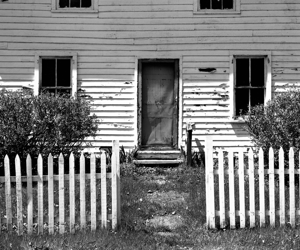 4x5_for_365_project_Millbrook_house_and_fence.png