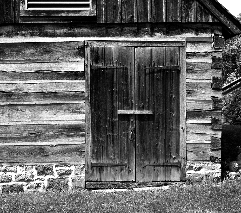 4x5_for_365_project_0163_Bethlehem_HD_springhouse_door.png