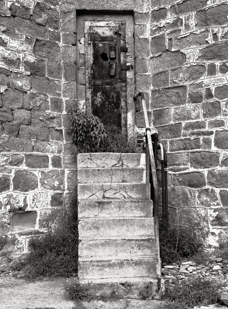 4x5_for_365_project_0268_esp_guard_tower_stairs.png