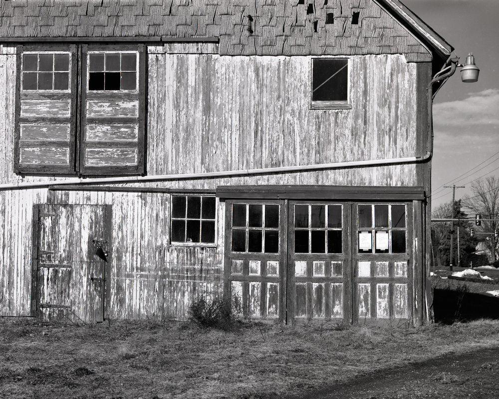 Macungie_Route100_Barns_2016-01-07_Toko4x5_150mm_Geronar_FP4_at_100_PyrocatHD_1_1_100_doors_001.jpg