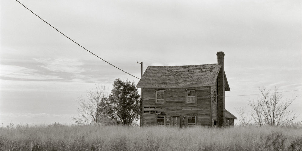 Middle_Hoopers_Island_2015-05-25_Speed_Graphic_4x5_fp4_125_at_100_PyrocatHD_1_1_100_abandoned_house_002.jpg