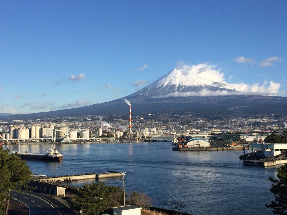 「田子の浦より不盡山を望む」iPhone snapshot