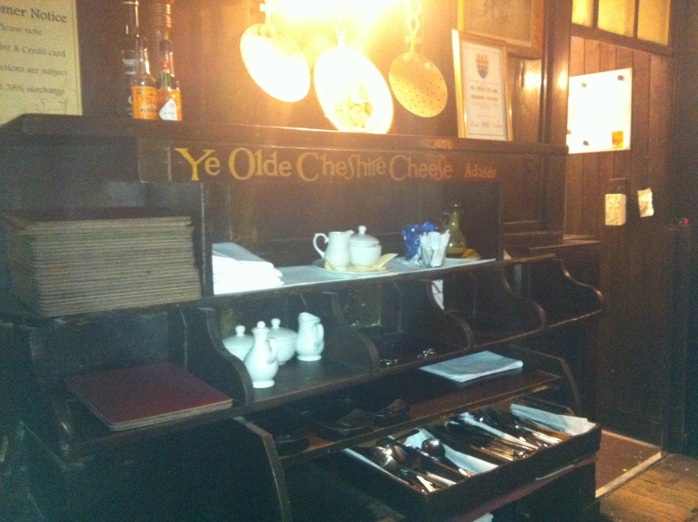 Ye Olde Pub Time ...
