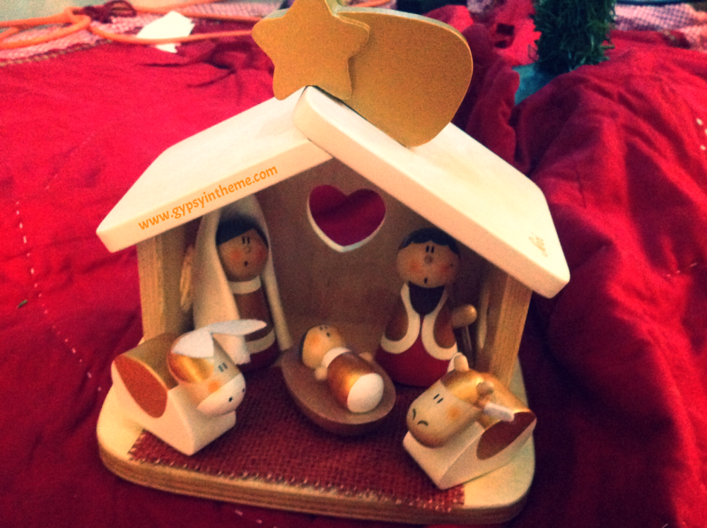 Kiddo's manger scene, bought in Florence, Italy.