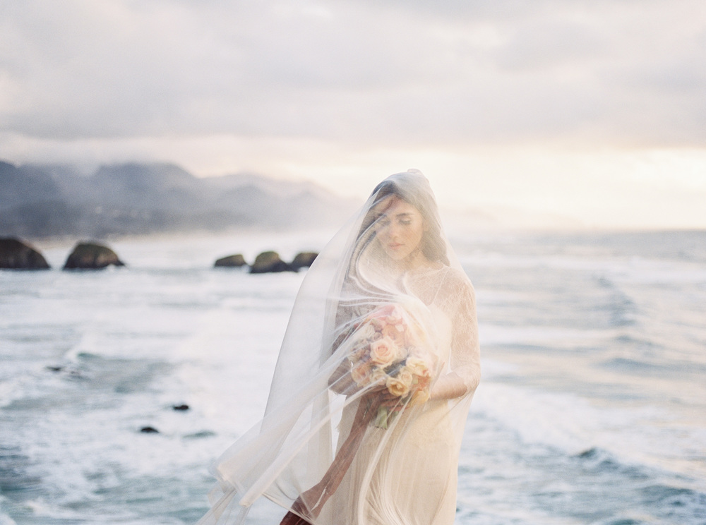 OregonCoastBridalsfilm (2 of 18).jpg
