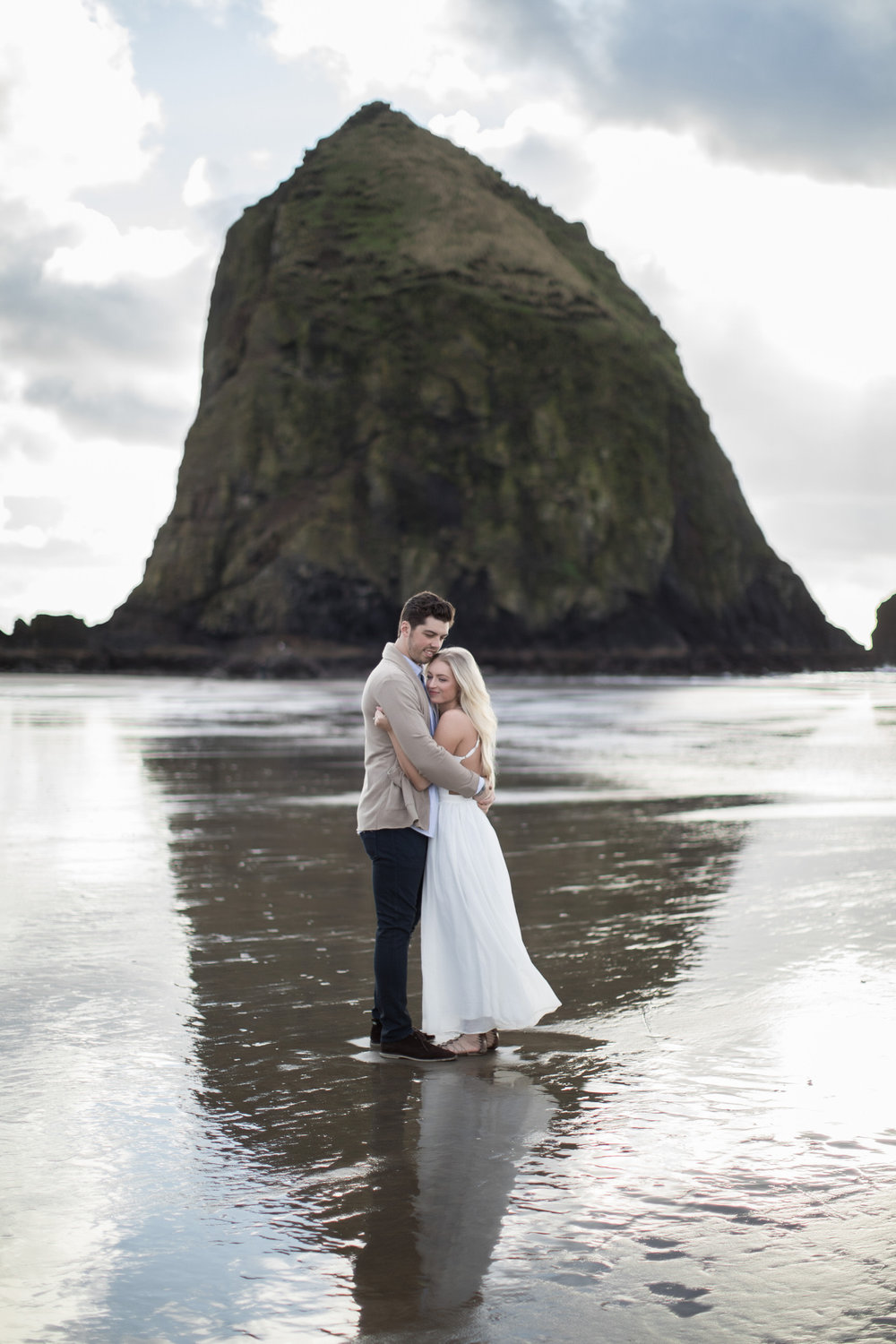 CANNONBEACHENGAGEMENTS (1 of 58).jpg