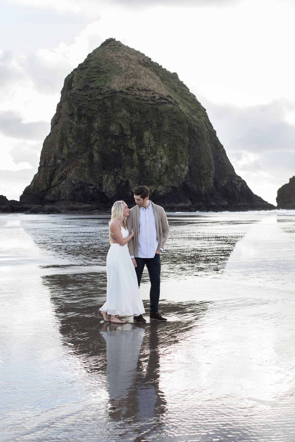 CANNONBEACHENGAGEMENTS (3 of 58).jpg