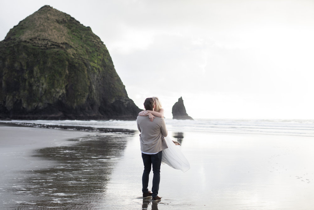 CANNONBEACHENGAGEMENTS (17 of 58).jpg