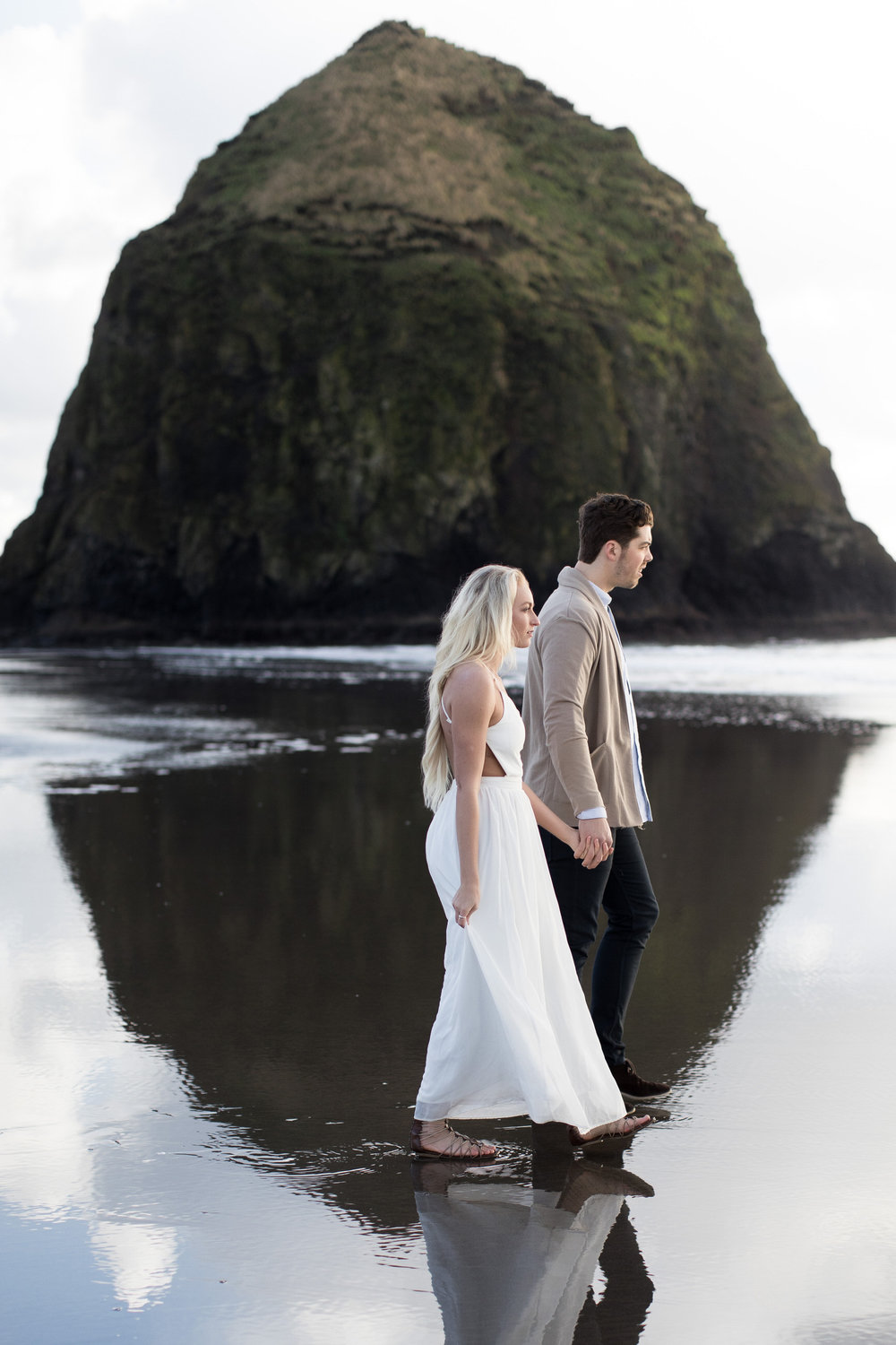 CANNONBEACHENGAGEMENTS (13 of 58).jpg