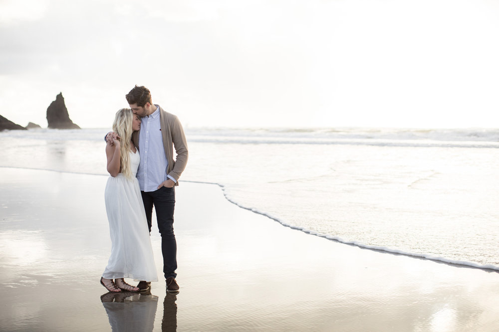 CANNONBEACHENGAGEMENTS (14 of 58).jpg