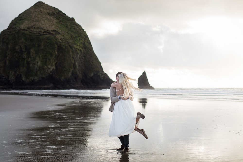 CANNONBEACHENGAGEMENTS (18 of 58).jpg