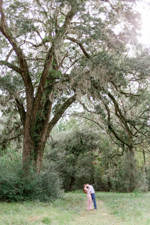 kailee-dimeglio-charleston-engagement-plantation-park-live-oak-tree
