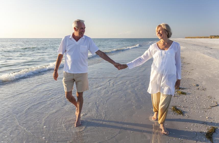 Larger Beach Couple Fotolia_50174841_S.jpg