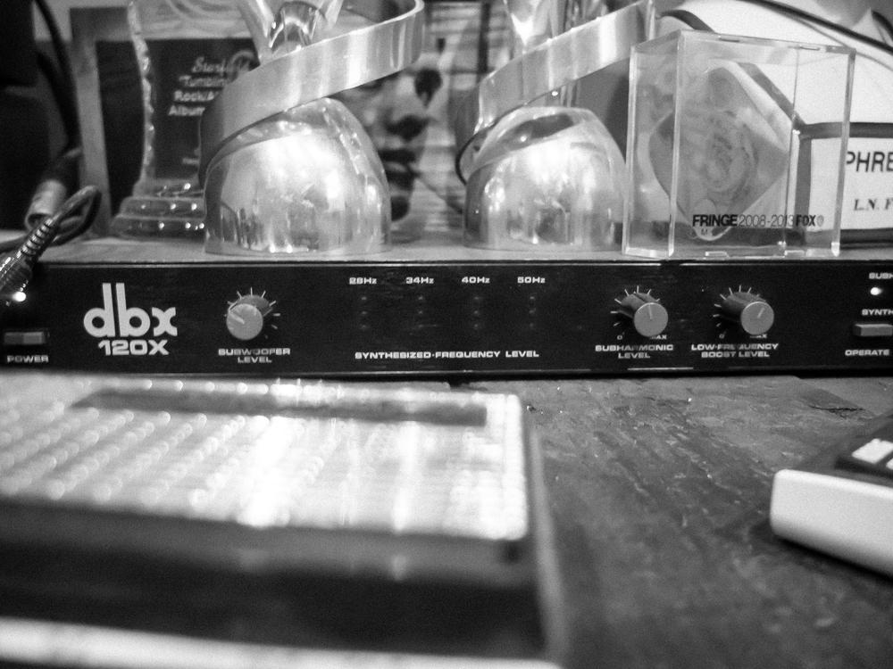 DBX120x