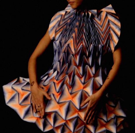 Origami-dresses-by-Jule-Waibel-for-Bershka_dezeen_16.jpg