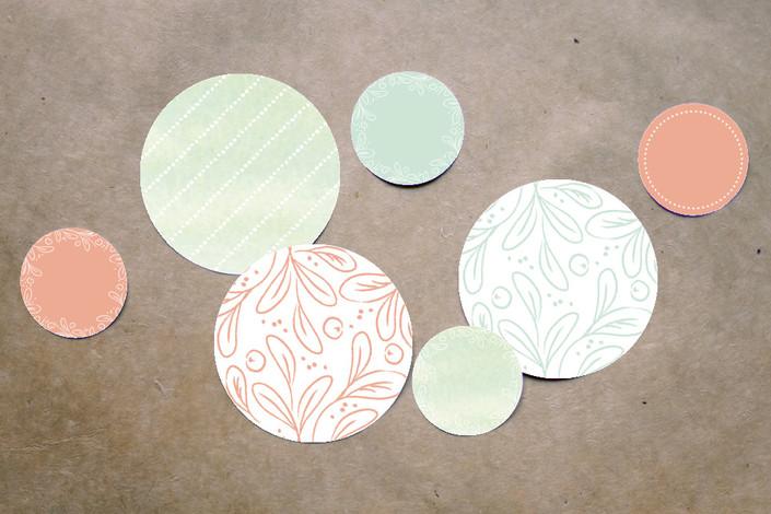 3_table confetti.jpg