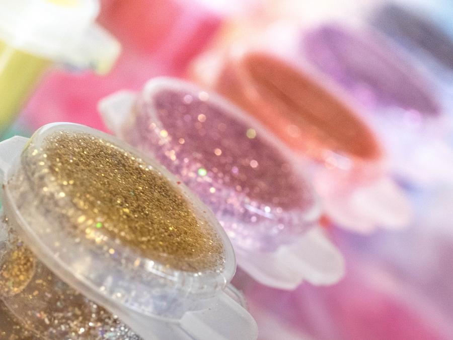 Glitter paint pots