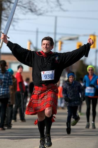 ymcahalfmarathonracers201211.jpg