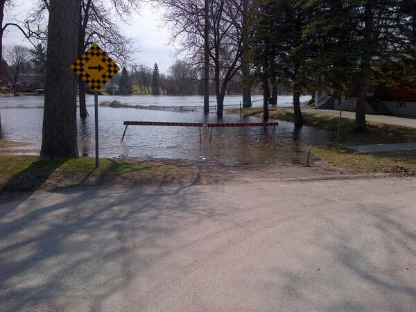 Backyards underwater at Graham St. & Lillian Ave, pic via @TVCPtbo