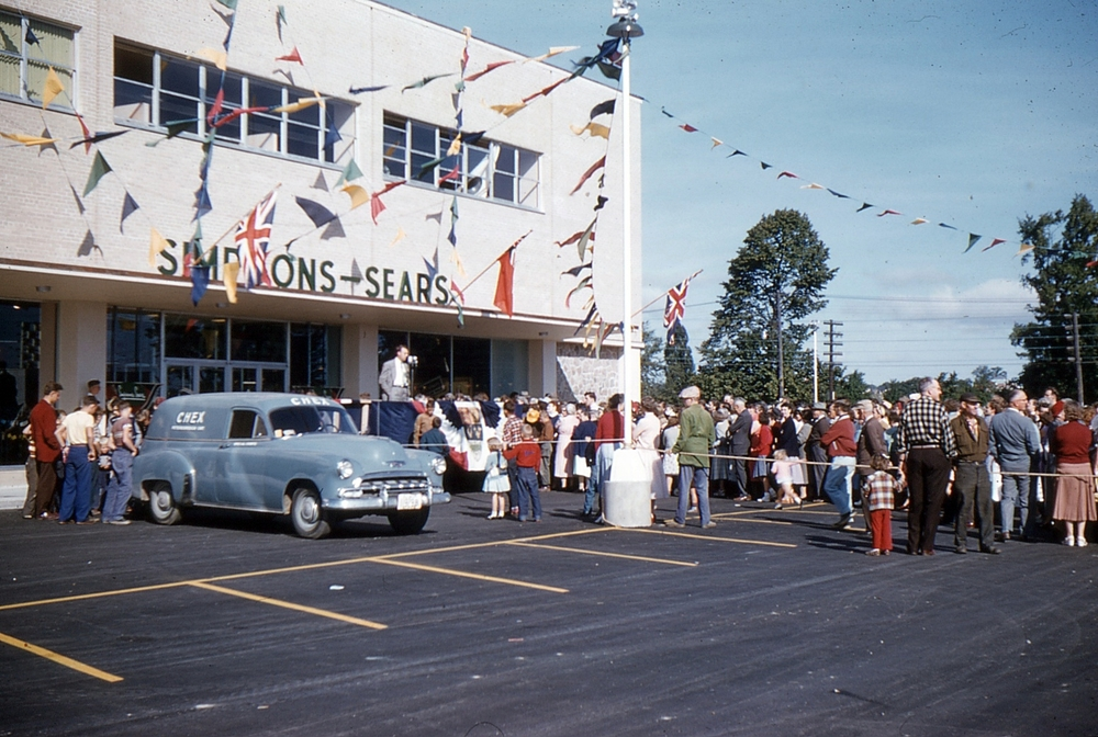 Clubs In Peterborough >> Here Are Photos Of The Sears Store Opening In Peterborough From 1954 — PtboCanada