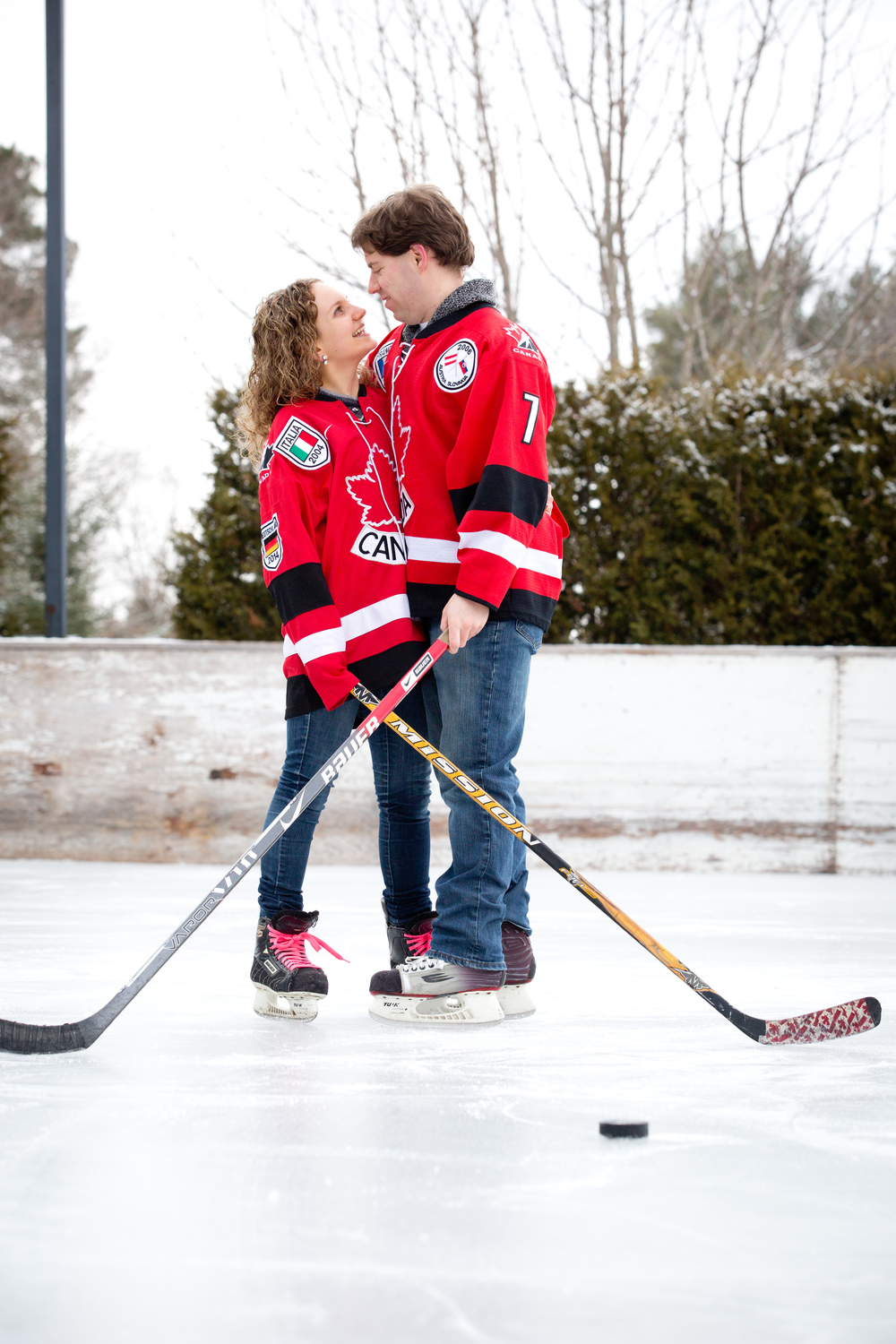 The bride & groom are huge hockey fans/players