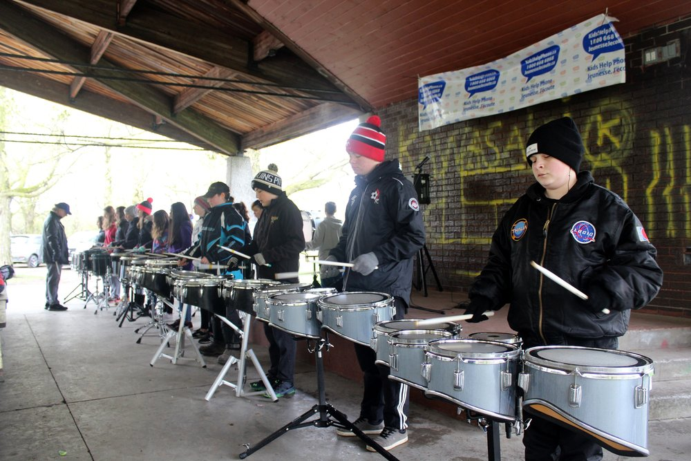 The James Strath PS Drumline hypes up the walkers. (Photo by Daniel Sky Morris)