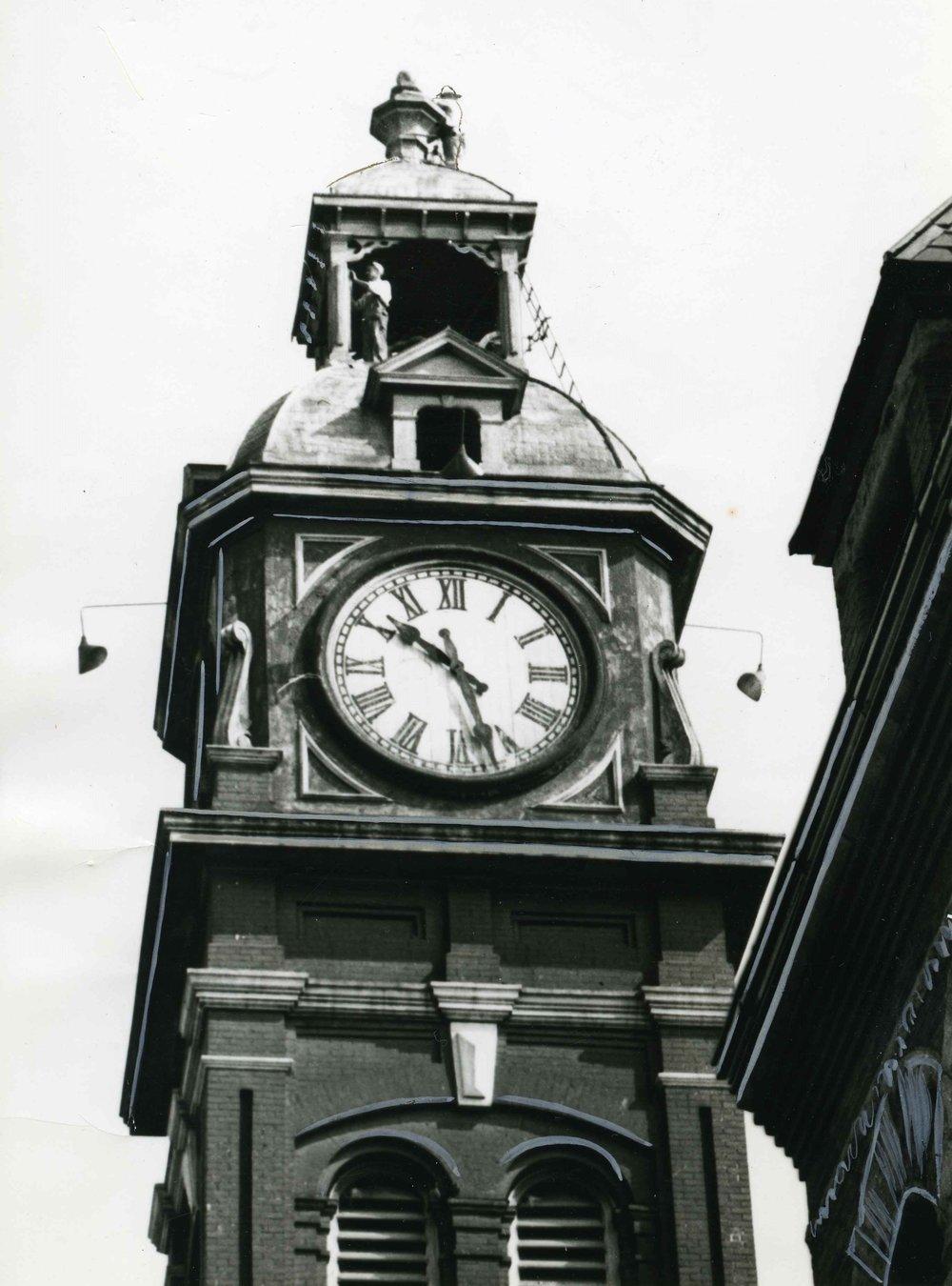 12  F340 B4 470 Town Clock Market Place 1951 001.jpg