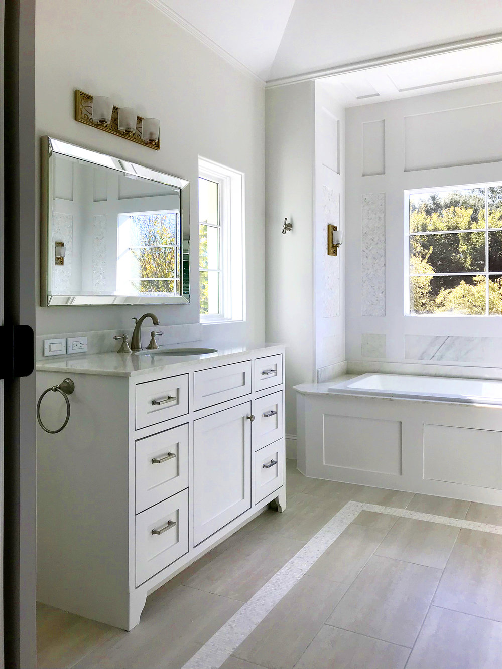 ALBERS CHANG_4210 LAW TOWNHOMES_MASTER BATH_2.jpg