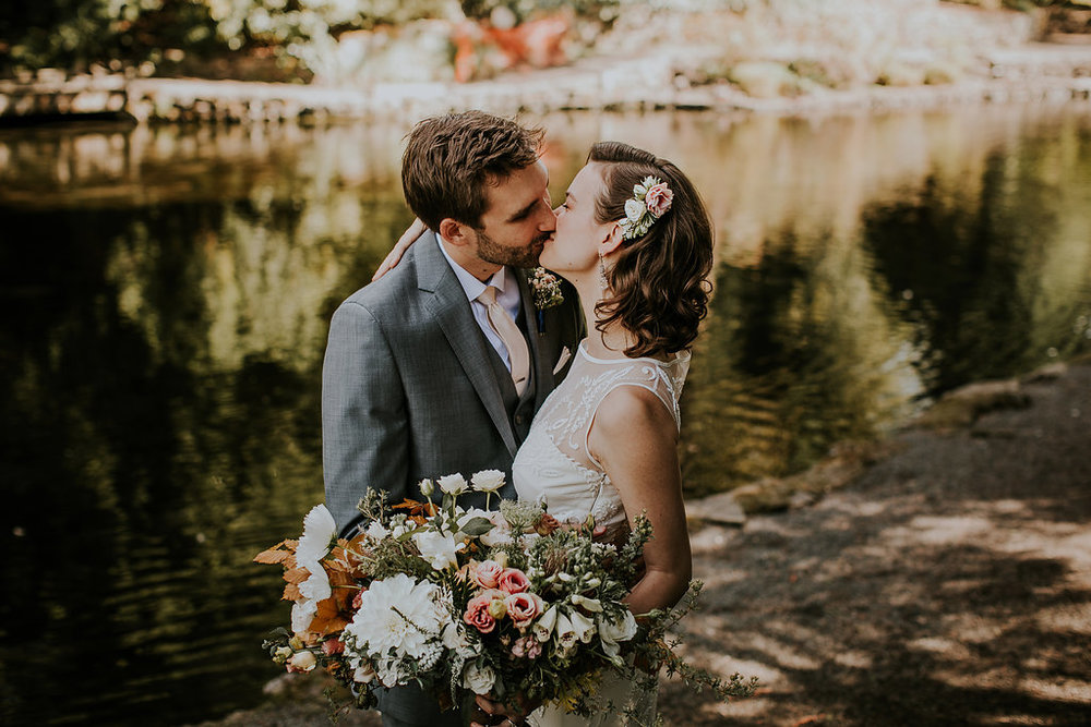Fall wedding flowers at the Rhododendron Gardens
