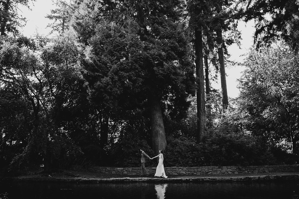 elegant outdoor wedding at the Rhododendron Gardens