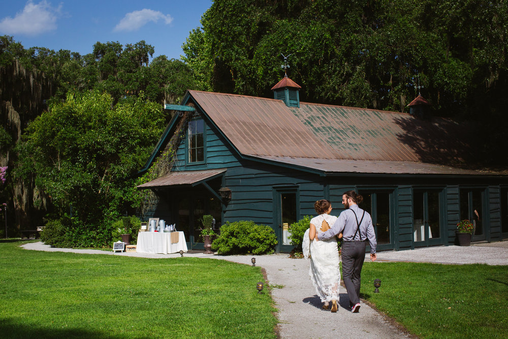 taylor and lindsey, magnolia plantation, charleston wedding, the carriage house