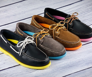 Sperry Neon Top-Sider uncrate.com Add an unexpected splash of color to your casual wear with the Sperry Neon Top-Sider ($100). Available in four colorways, these authentic original 2-eyed boat shoes feature either a leather… Visit Uncrate for the full post.