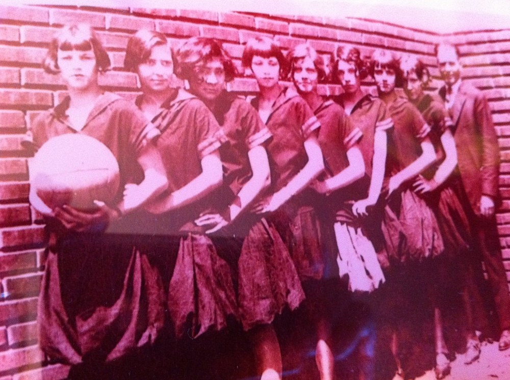 Verden, OK 1924 Highschool Girls Basketball (Dorothy Dahms, 2nd from front, my grandmother)