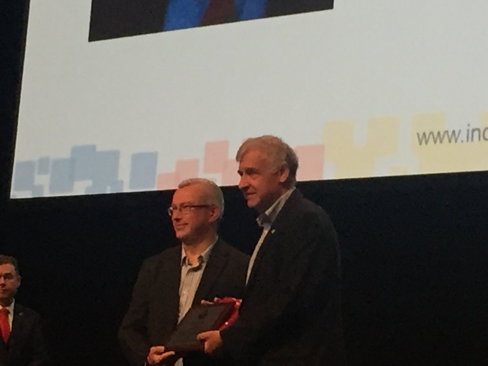 Bill Miller accepting his award at the INCOSE Conference in Adelaide, Australia