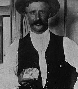 The Cullinan Diamond is the largest gem-quality diamond ever found.  In its rough state, it weighed 3106.75 carat (621.35 g, 1.37 lb) and measured about 10.5 cm (4.1 inches) long in its largest dimension.  It was found on 26 January 1905, in the Premier No. 2 mine, near Pretoria in South Africa.