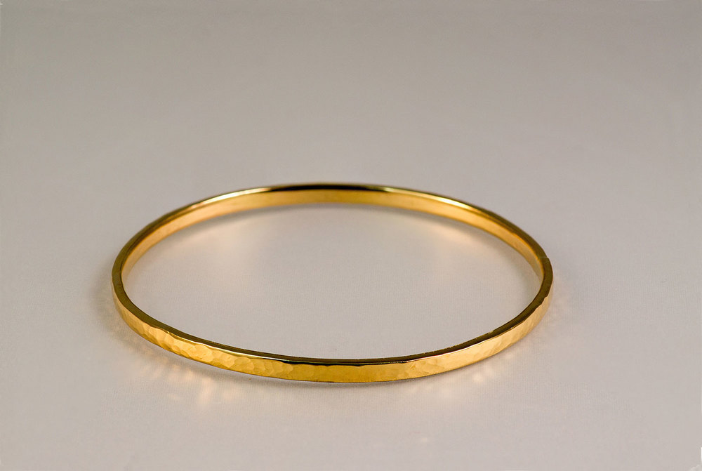 Thin-Gold-Bangle.jpg