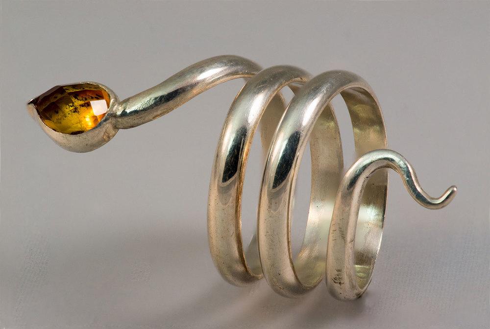 Snake-Ring-Amber-2.jpg