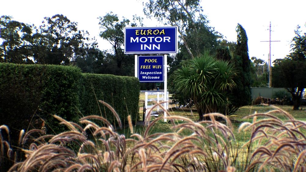 Motel Sign.jpg