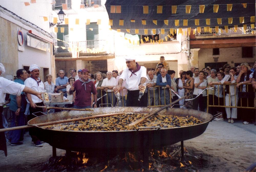 Paella_day_cornudella_de_montsant_2003.jpg