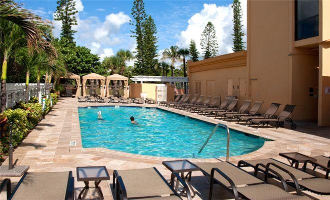 wyndham-deerfield-beach-resort-pool.jpg