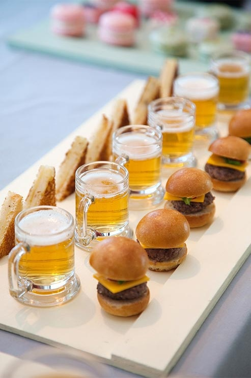 Making miniatures is a surefire way to dress up basics, like  beer & burgers ! Where can I get my hands on little mugs like those?!