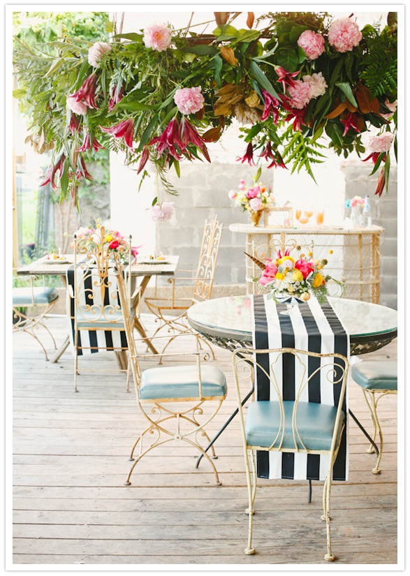 These  striped table runners  totally upgrade the look of pretty patio tables!
